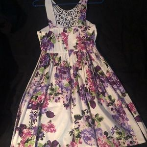 City Triangles Dresses - City Triangles white and purple dress size 5